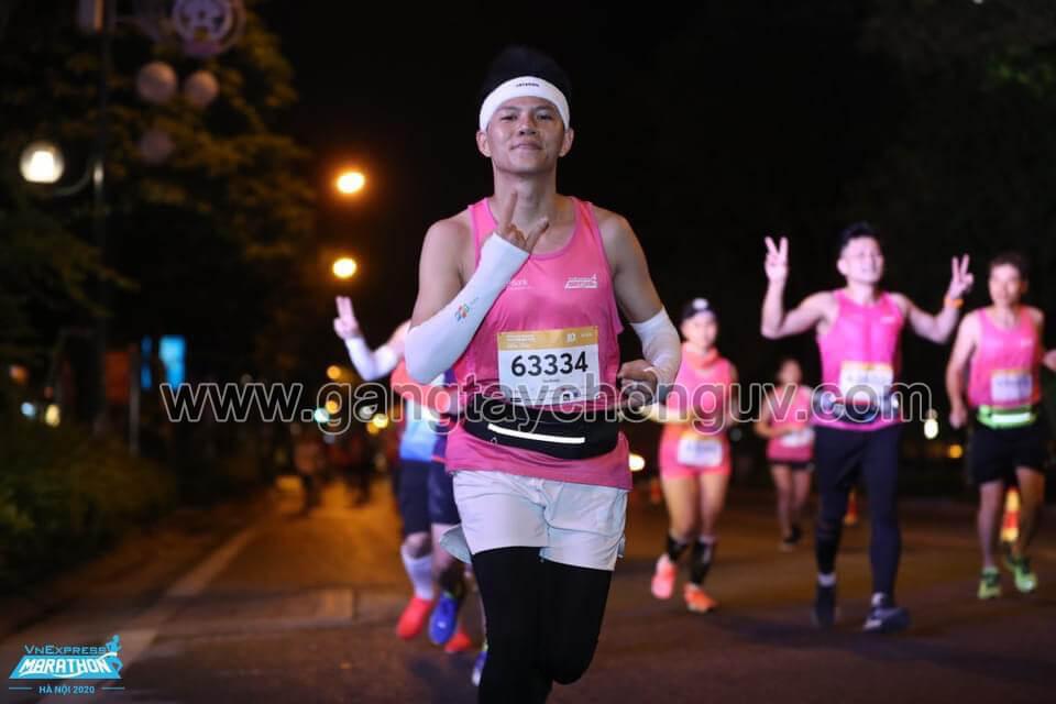 gang-tay-chong-nang-xo-ngon-let-slim-dong-hanh-giai-marathon-ha-noi