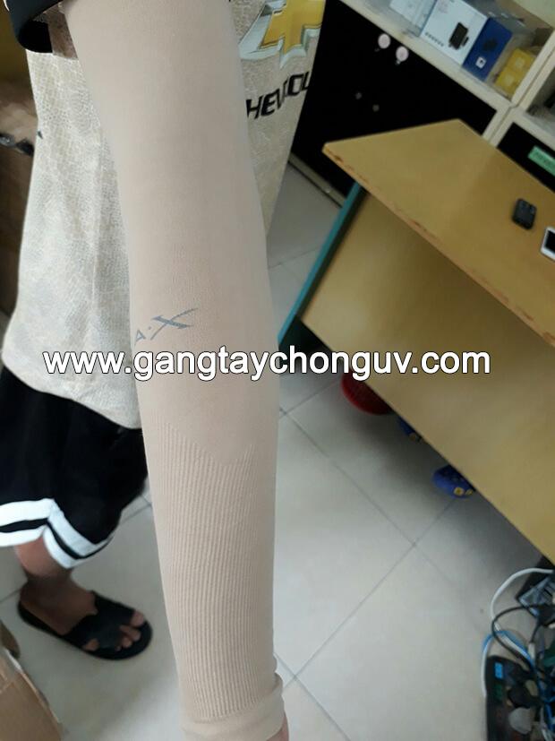 Deo găng tay chống nắng màu da Aqua X